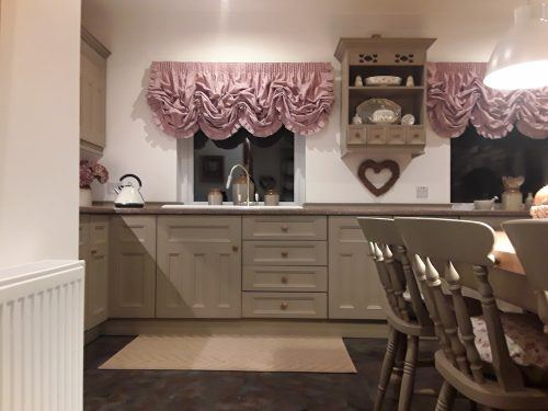 hand painted kitchen Caernarfon