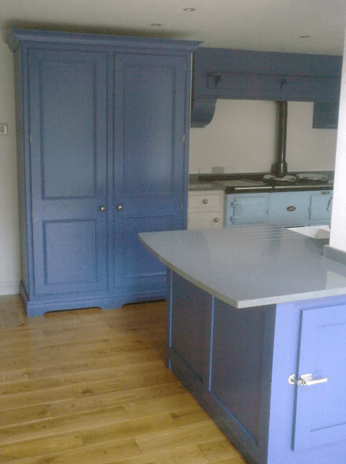 unfitted hand-painted kitchen oil eggshell