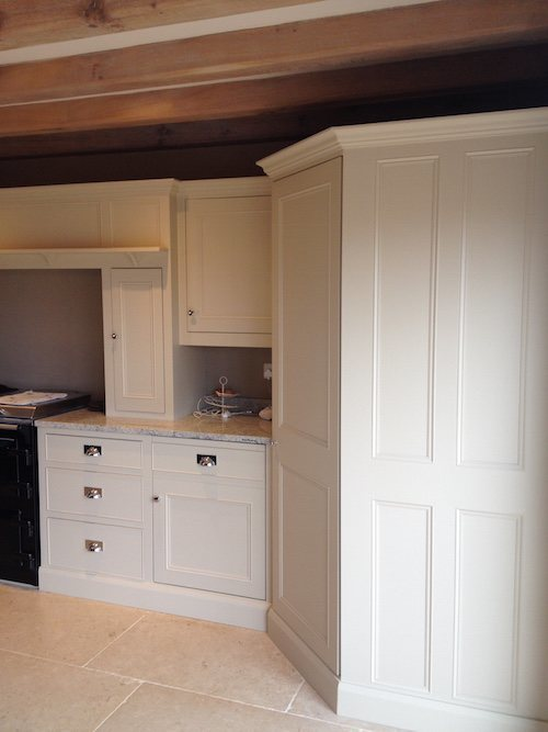 Which Off White Paint Would You, What Color To Paint Off White Kitchen Cabinets