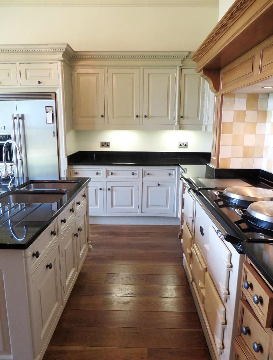 smallbone kitchen repaint wakefield | traditional painter
