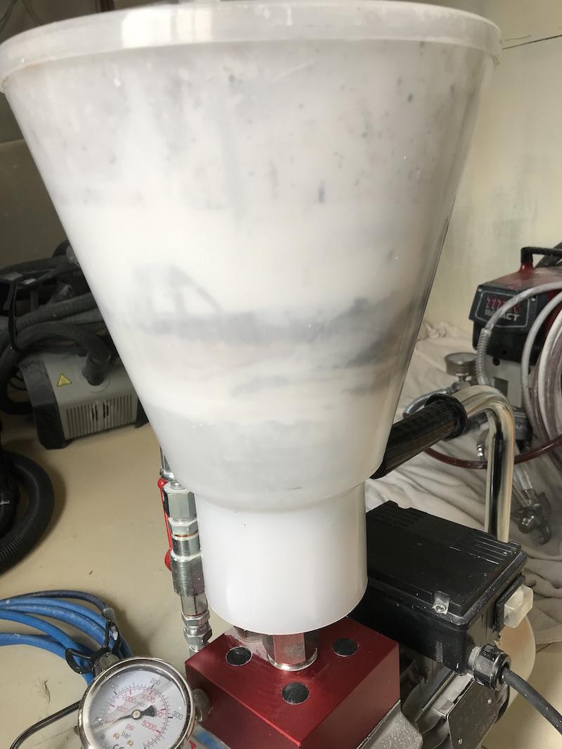 hopper version of Tecnover TR4000P airless diaphragm spray unit