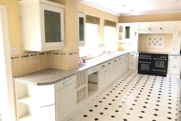 Hand painted kitchen S Sheldsi