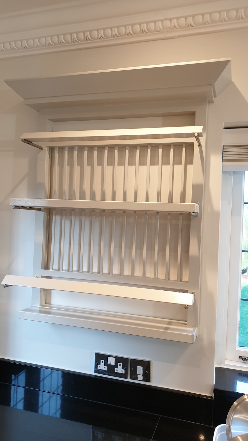 plate rack in bespoke wooden kitchen painted by Paul Barber in Radlett