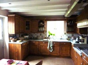 Worcestershire kitchen before painting