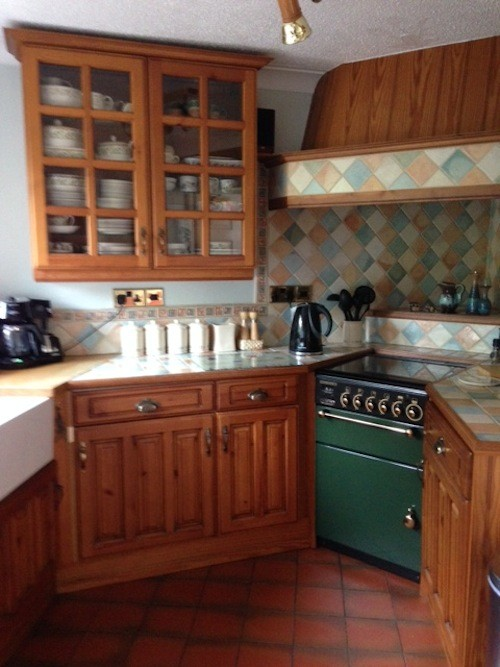 wooden kitchen to paint in Staffordshire