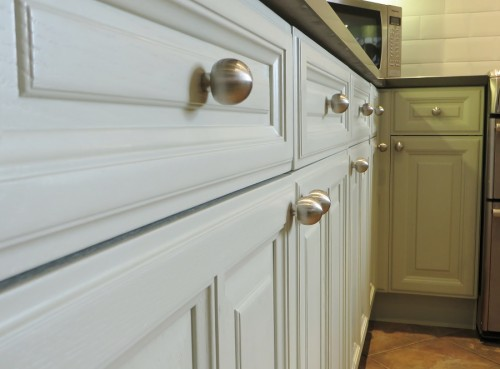 Harrogate painted Kitchen door knobs