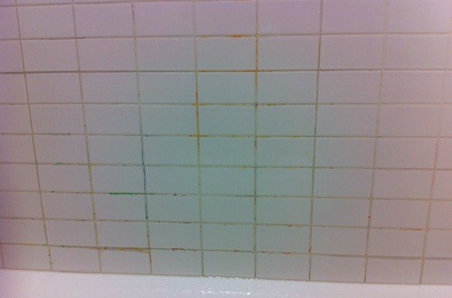 crayon-on-tile